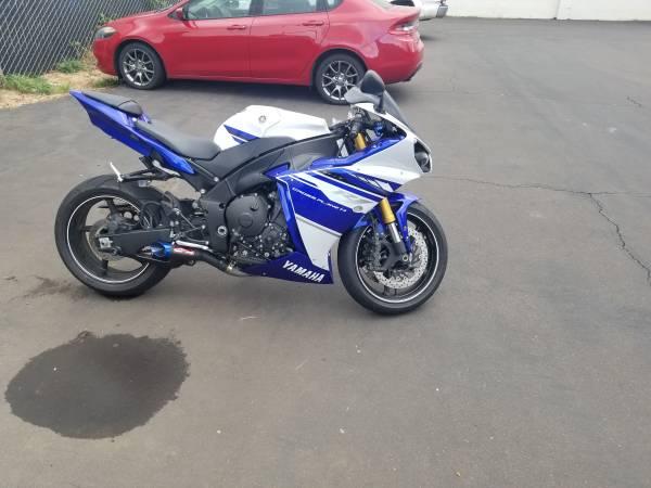 Photo 2014 Yamaha R1 - $11,000 (Lebanon)