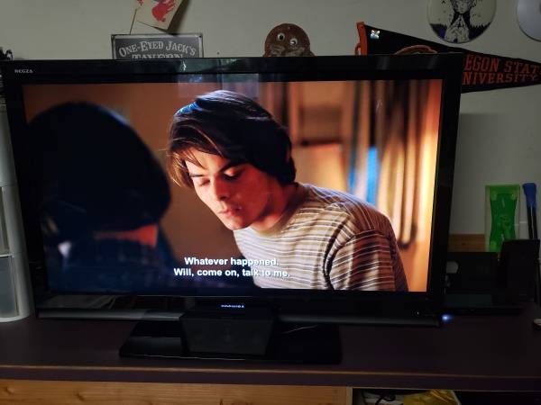 Photo 47 inch tv with surround sound - $200 (ALBANY)