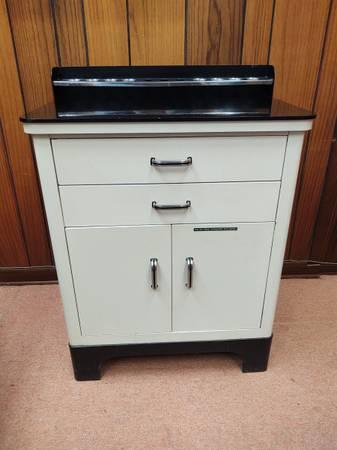 Photo Antique Medical Cabinet Ivory-White Enamel on Steel - $268 (NE Alameda Park Rose)