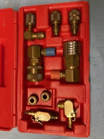 Photo BLUE-POINT ACT600 Air Conditioning Adapter Set- COMPLETE made by Snap- - $25 (Corvallis)