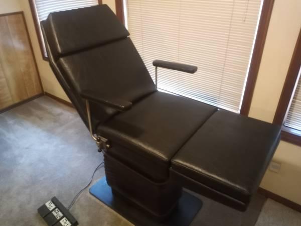 Photo Beauty salon  tattoo electric chair - $495 (Albany)