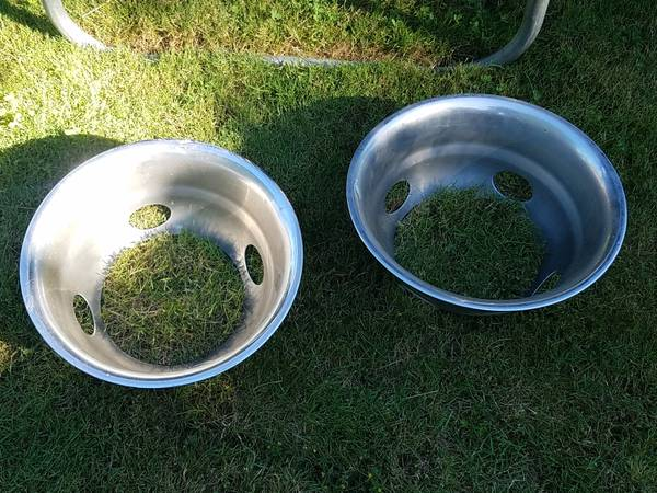 Photo Chrome wheel dish covers, Dodge dually pickup, diesel, cummins dually (Corvallis)