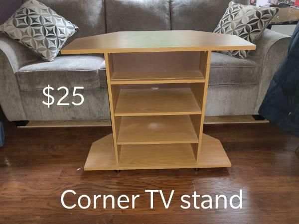 Photo Corner TV Stand - $25 (Sweet Home)