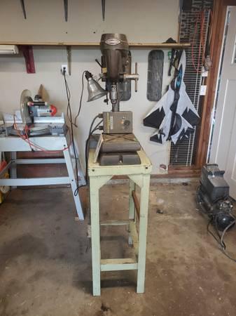 Photo Craftsman drill press Model 103 - $75 (Albany)