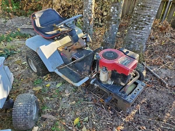 Photo Craftsman tractor parts - $25 (albany)