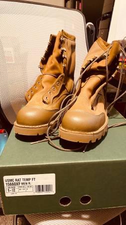 Photo Danner USMC RAT Boots, 9.5 NEW - $150 (Albany)