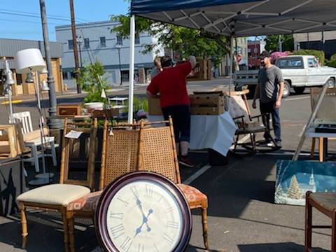 Photo Downtown Parking Lot Rummage Sale (Albany)