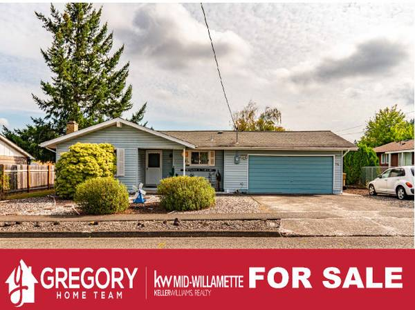 Photo Enjoy living in the upper avenues. (411 8th Ave, Sweet Home, OR)