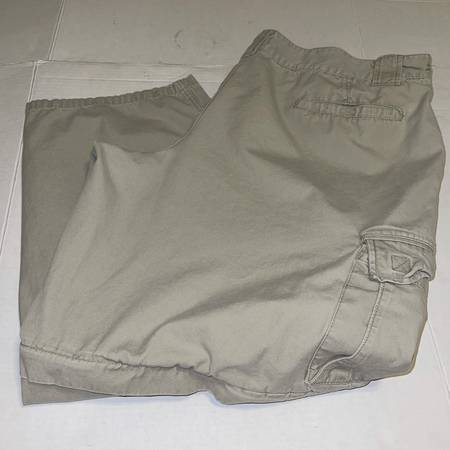 Photo Faded Glory tan cargo pants zip off shorts mens 45quot x 29quot  46quot x 30quot - $10 (Albany - porch pickup off Waverly near Lexington Park)