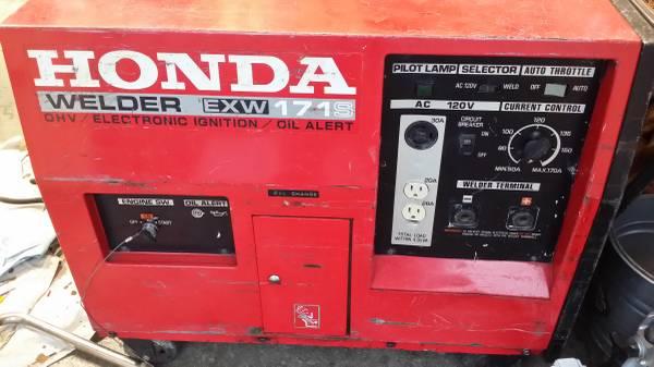 Photo Honda Gas Powered Arc Welder  4000 watt Generator - $750 (Albany)