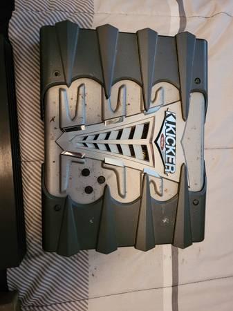 Photo Kicker Car Amp, TVDVD Combo, Speaker Wire - $50 (Scio, OR)