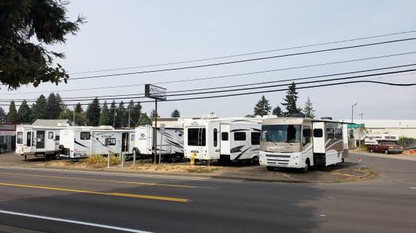 Photo Let Us Turn your RV into CA$H No Stress, No Hassle so you can RELAX (Family RV - Albany)