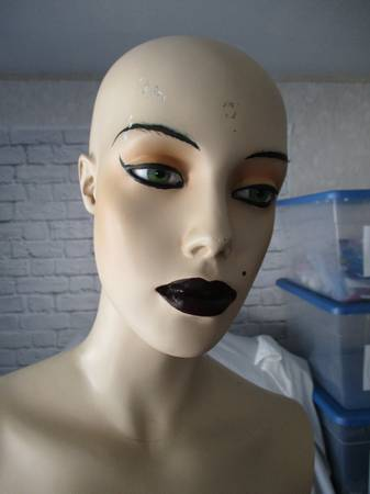 Photo Mannequin Plaster Figure Female - Halloween  - $30 (Corvallis)