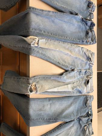 Photo Mens Jeans - 3 Pairs - 28-30, 29-32. Levis, HM. - $30 (Corvallis)