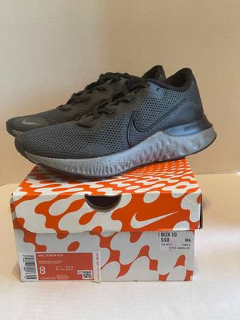Photo NEW Nike Renew Run AnthraciteBlack-Cool Grey running shoes CZ9263-001 - $75 (Albany - porch pickup off Waverly near Lexington Park)