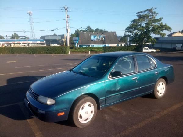 Photo Nissan Altima 95 - $1,500 (Albany)