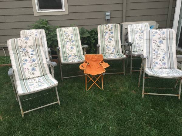Photo Outdoor furniture (Chairs) - $10 (ALBANY)
