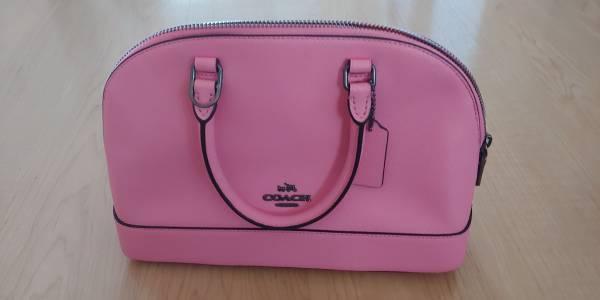 Photo Pink Coach Purse - $295 (Corvallis)