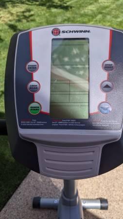 Photo Schwinn exercise bike - $125 (Albany)