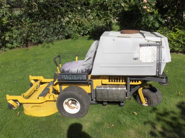 Photo Walker MT Zero-Turn Mower - $2,800 (Shedd)
