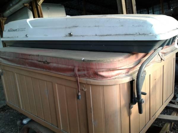 Photo Yakima rocket box unsed - $80 (Corvallis)