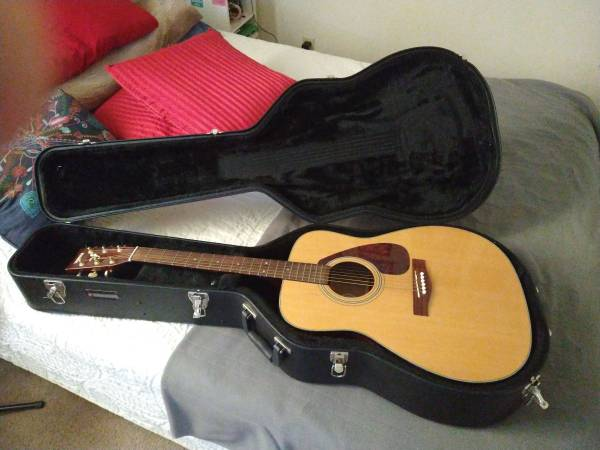 Photo Yamaha full size acoustic guitar for sale - $120 (Corvallis)