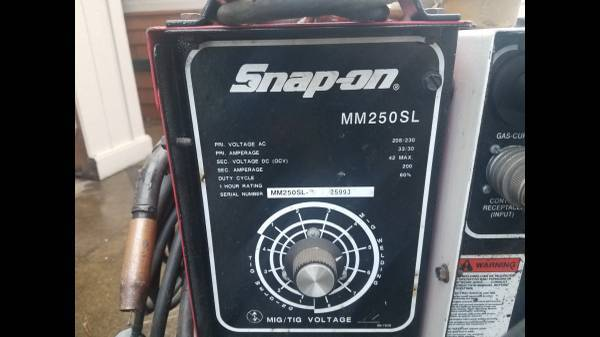Photo welder make offer 250 A Muscle MIG Wire Feed Welder snapon - $1,900 - $1,900 (Philomath)