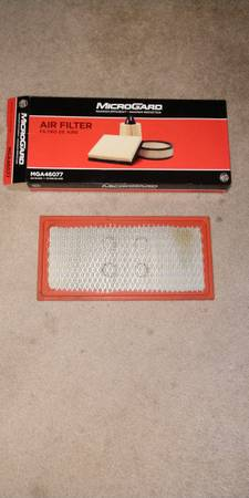 Photo 1994 Dodge Air Filter. (Colorado Springs)