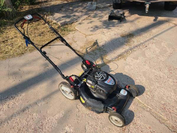 Photo 6.75 HP Craftsman  Briggs and Stratton platinum push lawn mower - $150 (Colorado Springs)