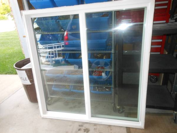 Photo Amerimax Sliding Double Pane Window Tempered Glass - $65 (Old Farm Austin BluffsStetson Hills)