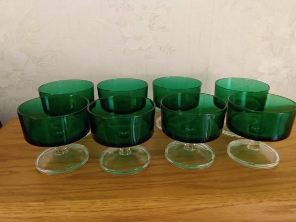Photo Arcoroc Emerald Green Sherbets (8) - $40 (Colorado Springs)