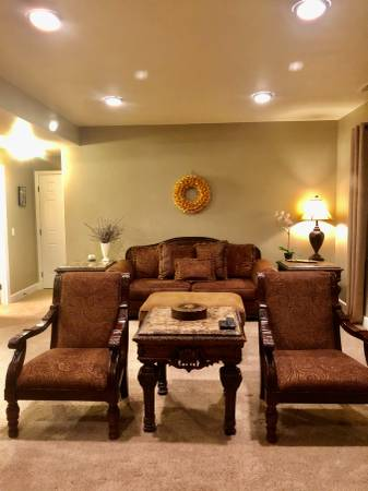 Photo Beautiful Furnished Basement for rent, utilities included (Castle Rock)