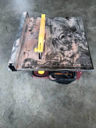 Photo Chicago Electric 7 Portable Wet Tile Saw - $60 (Near 8th  Cimmaron)