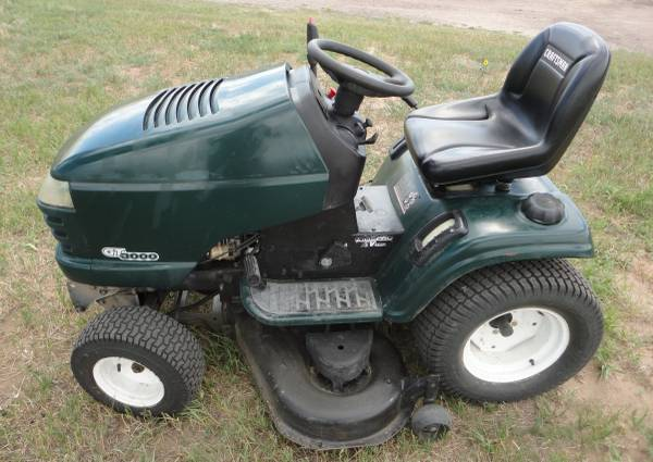 Photo Craftsman GT3000 Garden Tractor Riding Mower 2002 - $900 (Peyton  Calhan)