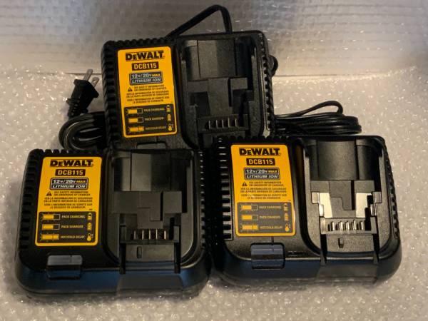 Photo DeWALT BRAND NEW 12-Volt to 20-Volt Lithium-Ion Battery Charger - $30 (Woodland Park)