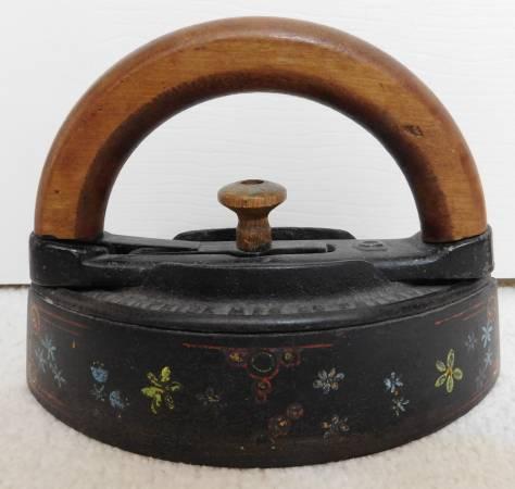 Photo Decorated quotSAD IRONquot Cast Iron IRON with Wood Handle 1867 - $94 (1 mile south UCCS)