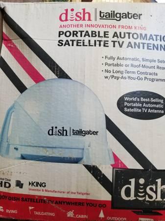 Photo Dish Network Tailgater automatic portable satellite antenna  Receiver - $165 (Canon City)