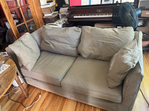 Photo Fold-out sofa bed in good condition (North End Colorado Springs)