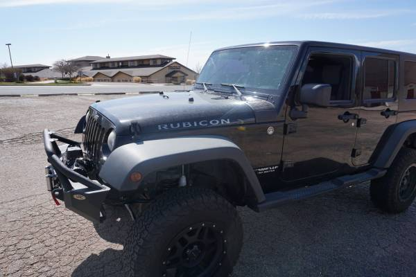 Photo Jeep Rubicon JKU crawler lifted - $16850 (colorado springs)
