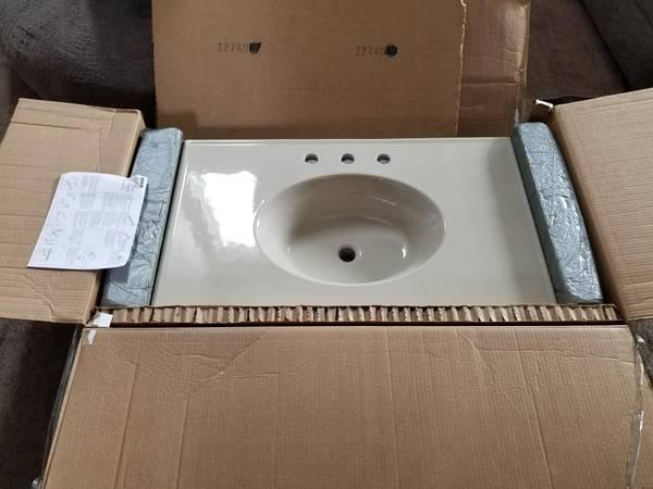 Photo Kohler Bathroom Single Vanity Top 36 inch - $110 (Colorado Springs)