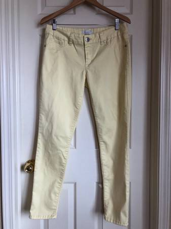 Photo Ladies Yellow Seven7 jeans size 10 - $5 (Colorado Springs)