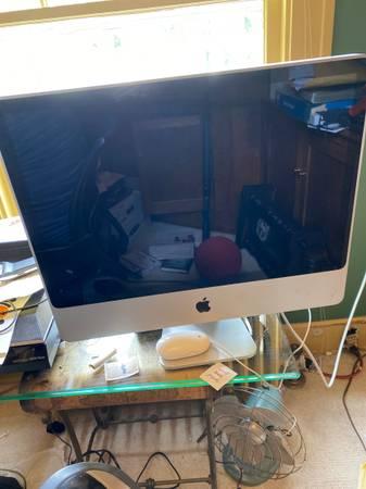 Photo Mac Desktop - $75 (Old North End)