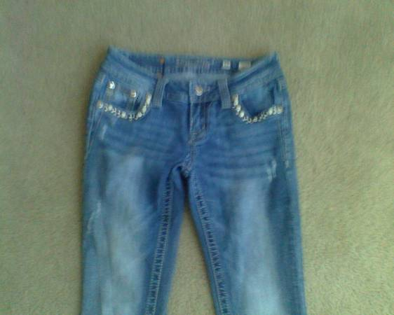 Photo Miss Me Jeans Size 26  Abercrombie  Fitch Jeans Size 4L - EUC - $20 (Castle Rock)