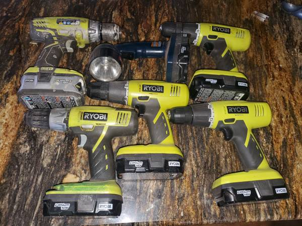 Photo Ryobi cordless power tool (drill) might have a Battery and charger - $20 (West side)