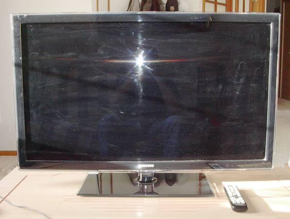 Photo Samsung 40quot 1080p 120Hz LED-LCD HDTV - $125 (Colorado Springs)