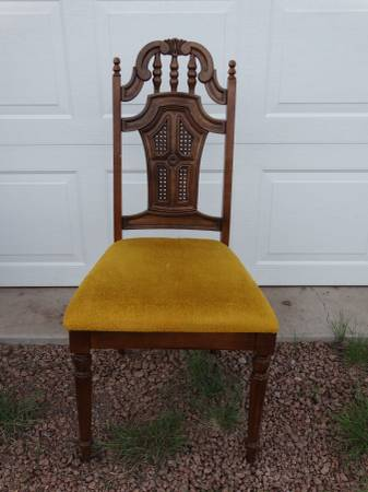 Photo Vintage Lenoir Chair Company dining room kitchen chairs - $20 (Guffey area)