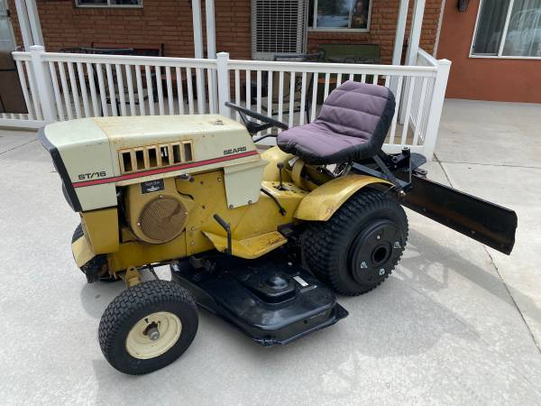 Photo Vintage Sears St16 Garden Tractor - $700 (colorado springs)