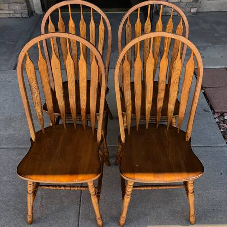 Photo Windsor Arrowback Chairs - Set of 4 - $150 (Tri-Lakes Consignment)