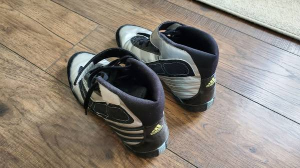 Photo Wrestling Shoes size 9.5 - $30 (Colorado Springs)