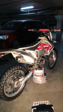 Photo 2011 crf250r - $4,500 (Brookings)